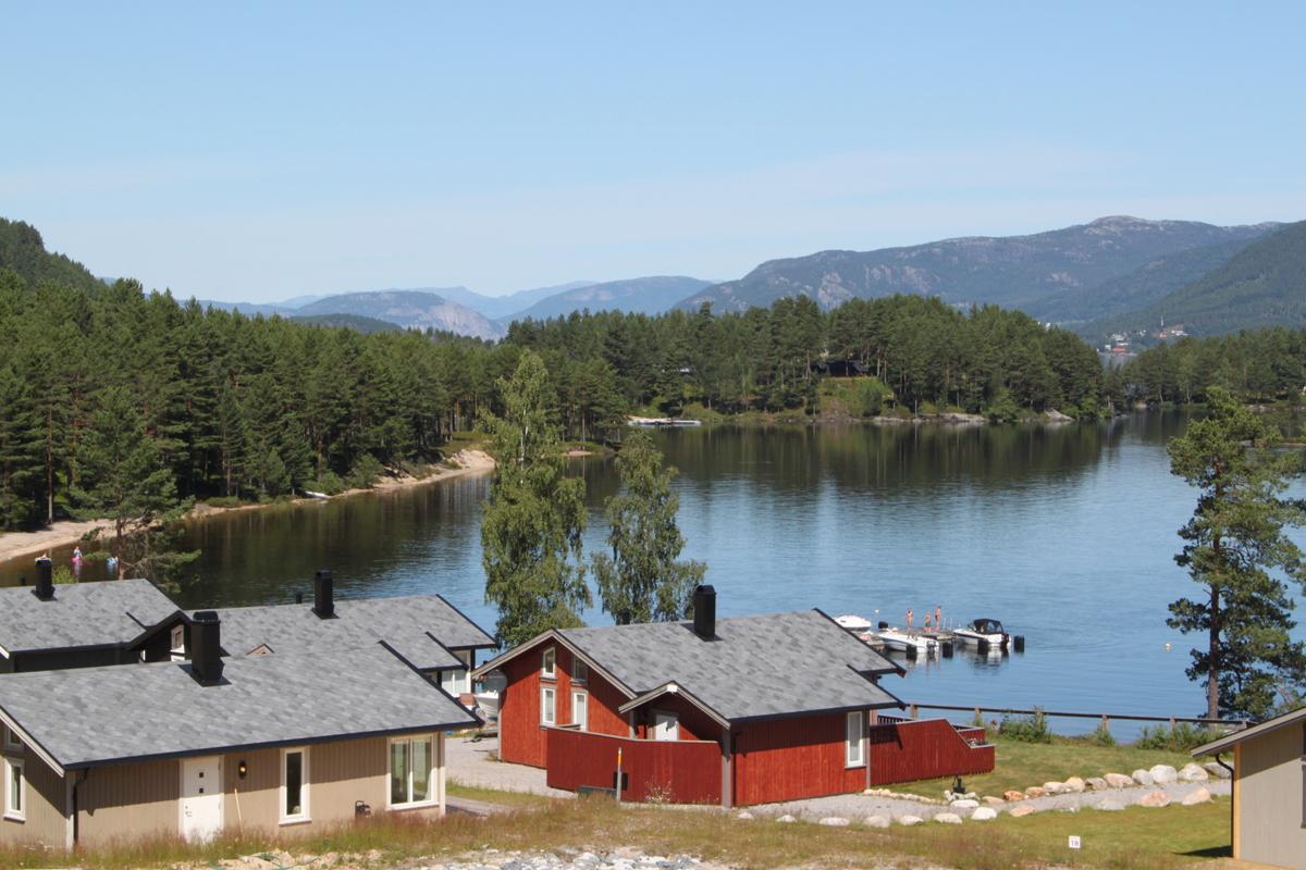 nisser-hyttegrend-utsikt-fra-feltet